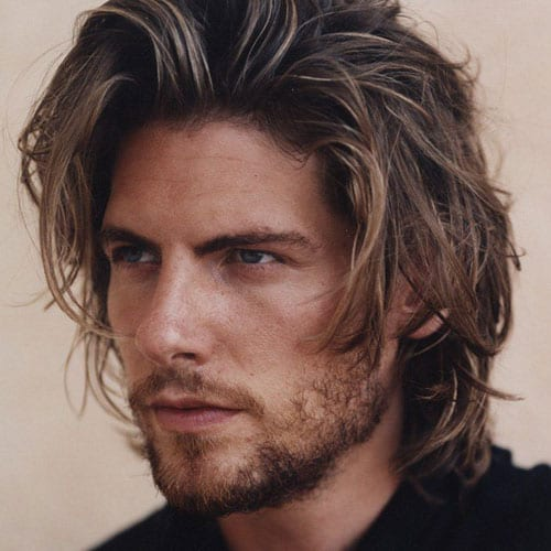 highlighted wavy long hairstyles for men