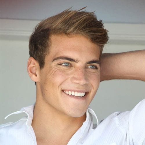 Casual sideswept part hairstyle for men