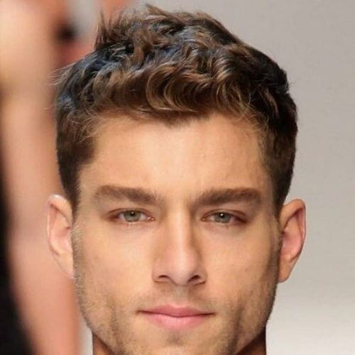 Business Wavy Hairstyle for Men