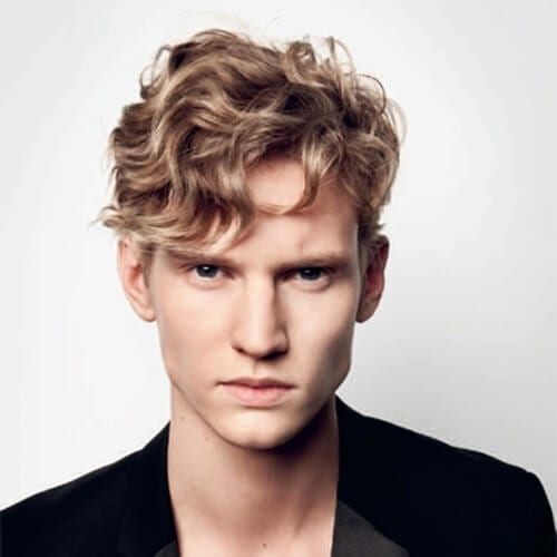 Short Length Hairstyles for Men with Wavy Hair