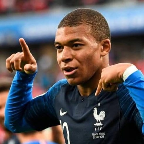 Kylian Mbappe soccer player haircuts